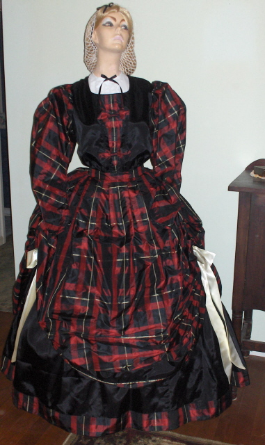 Ladies 1830's gowns and dresses