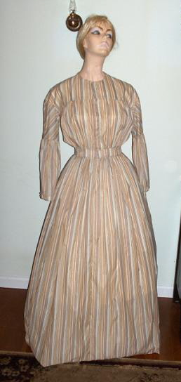 Ladies mid 1800's Pioneer Dress